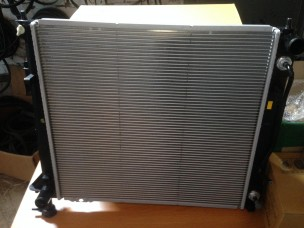 Радиатор основной 2.2 дизель оригинал Hyundai Santa FE, IX35, IX55, Hyundai Tucson, Kia Sportage 253102B900, 0230013211